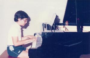 Ο Αργύρης στο πιάνο